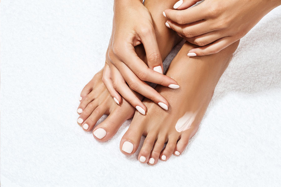 7 Ways to Get Rid of Cracked Heels Fast: & 3 Amazing