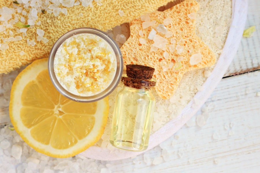 Use a lemon juice scrub to remove fake tan from hands
