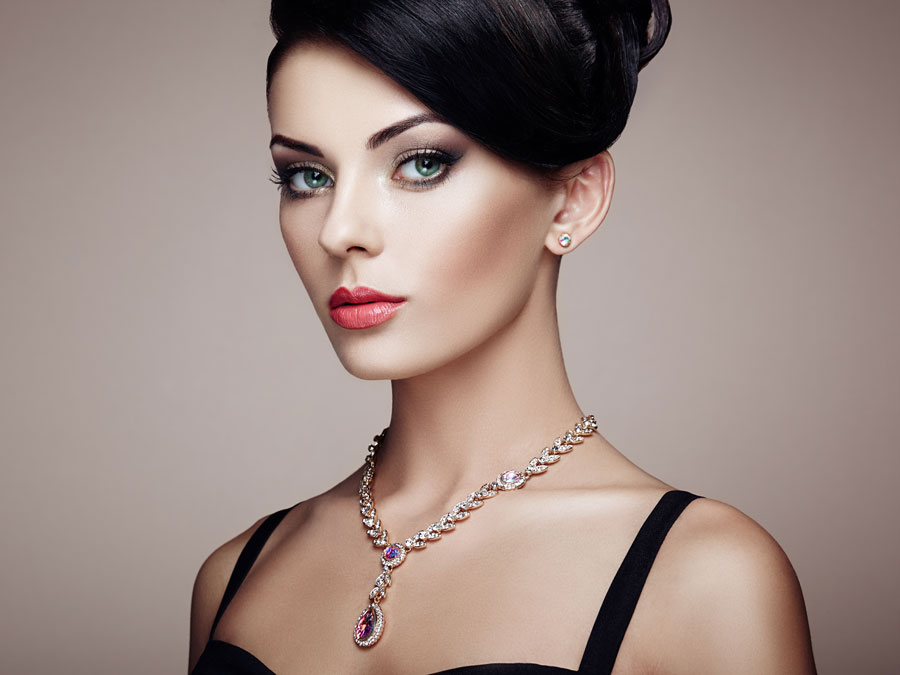 LBD Makeup Tutorial: The Best Makeup Ideas For Your Black Dresses