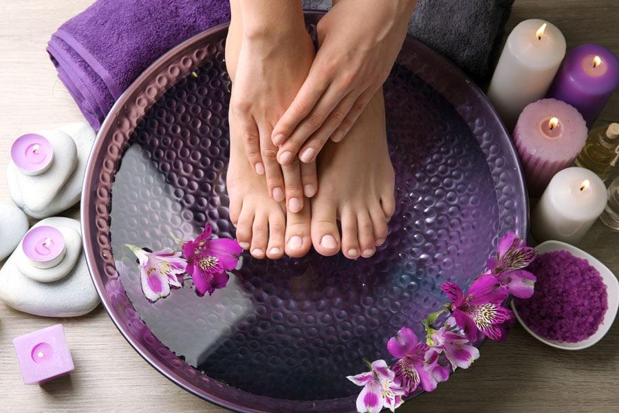 Best DIY Cracked Heels Treatment: 13 Amazing Home Remedies to Soften Hard Skin