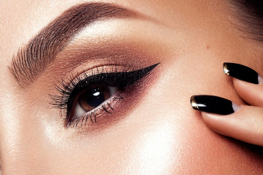 10 Cool Makeup Trends Expected to Be Popular in 2020